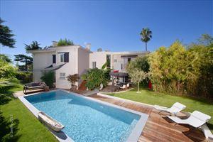 Belle villa contemporaine 7 pcs, vue mer, dans un beau cadre