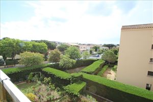 APPARTEMENT T3/T4 PROCHE COMMERCES IN FREJUS