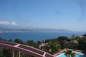 APPARTEMENT T3 VUE MER A THEOULE SUR MER