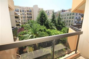 APPARTEMENT T4 A NICE