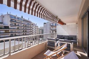 Cannes ultra centre AVEC TERRASSE PLEIN SUD