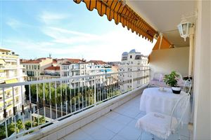 APPARTEMENT T2 A NICE