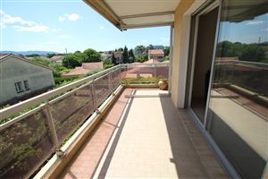 APPARTEMENT T3 AVEC GARAGE IN FREJUS