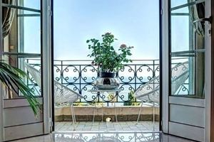 APPARTEMENT T4 BOURGEOIS VUE MER A CANNES